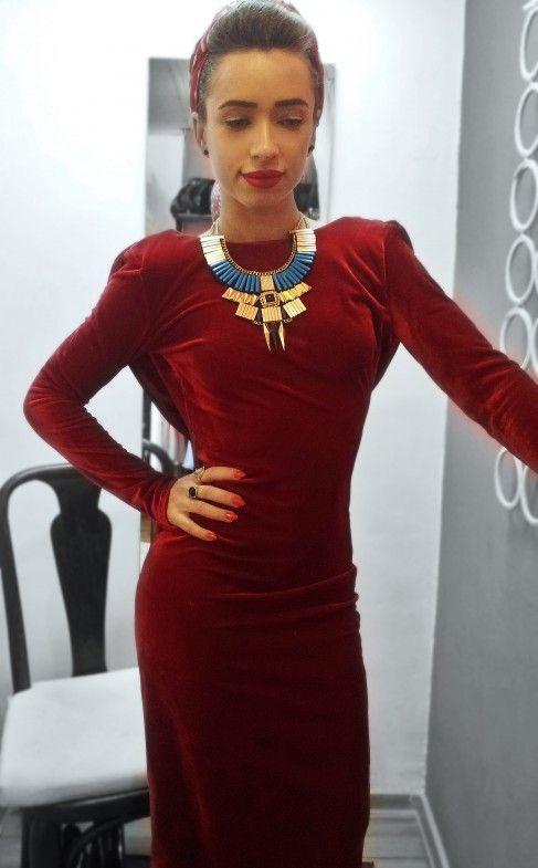Senzualitate, eleganță, rafinament și feminitate într-o singură rochie