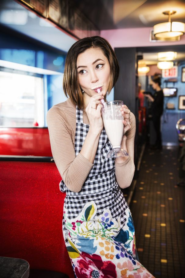 Waitress' Kimiko Glenn Talks Breaking Bad Binge-Watching, Fave Foods & Why a Regina Spektor Musical Needs to Happen