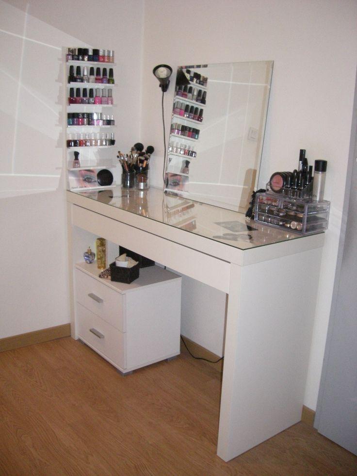 best 25 vanity makeup rooms ideas on pinterest makeup vanities ideas makeup vanity desk and. Black Bedroom Furniture Sets. Home Design Ideas