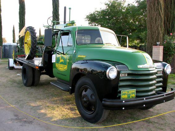 John Deere service truck