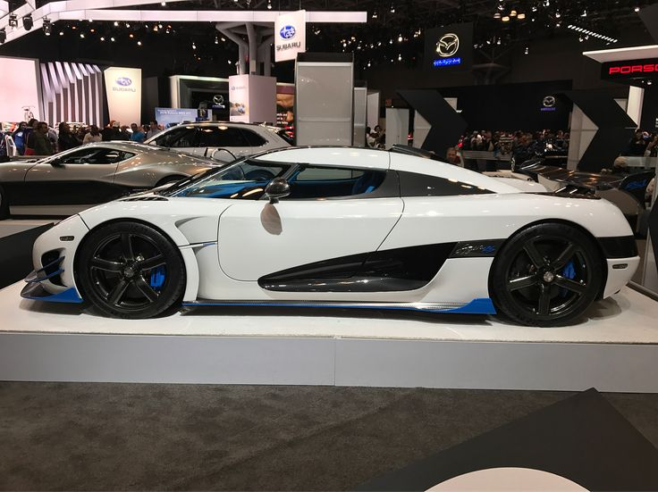 Koenigsegg Agera RS at the New York International Auto Show! . . . . #automotive #golfing #car #speed #pgatour #auto #luxury #love #instagood #beautiful #ferrari #shift #driver #mechanics #supercar #hypercar #muscle #tuner #titleist #callaway #golf  _____________________ COURSE&TRACK