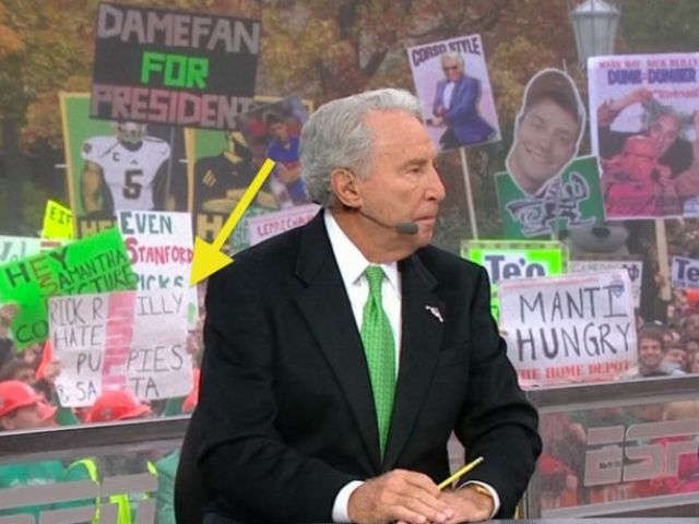 The best 'College GameDay' signs from Notre Dame vs Stanford