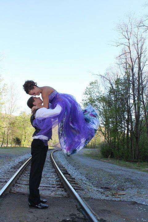 Cute prom picture :)