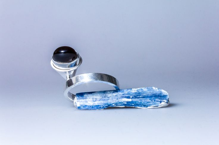 Ring signed by DS, sterling silver, kyanite, smokey quartz