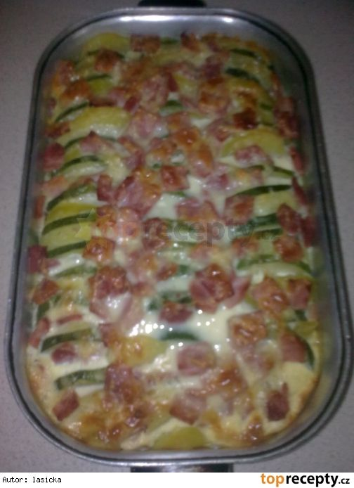 Zapečené brambory s cuketou a smetanou