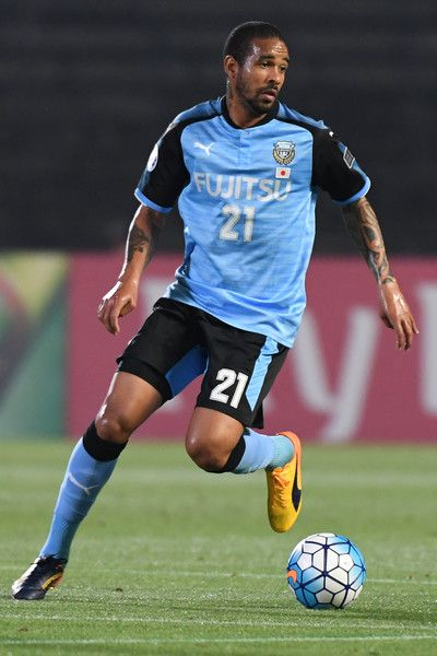 Eduardo Neto of Kawasaki Frontale in action during the AFC Champions League Round of 16 match between Kawasaki Frontale and Muangthong United at Kashima Stadium on May 30, 2017 in Kashima, Japan.