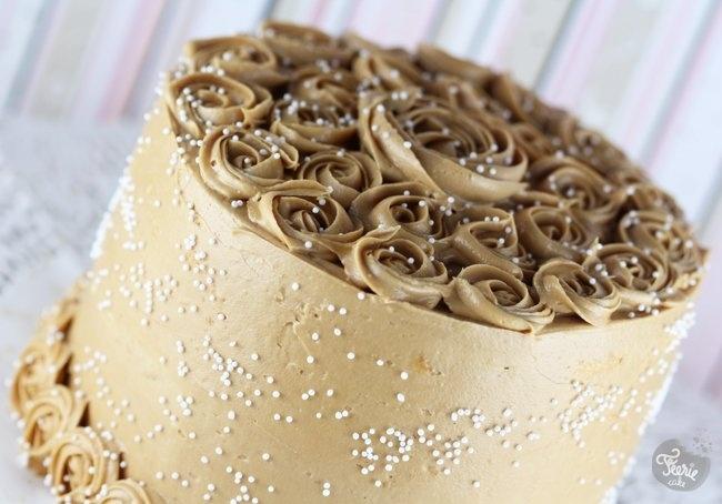 speculos cake: Cakes Speculoo, Biscoff Speculoo Cookies, Cafe Latte, Latte Cakes, Sponge Cakes, Cakes Design, Café Milk, Au Speculoo, Féeri Cakes