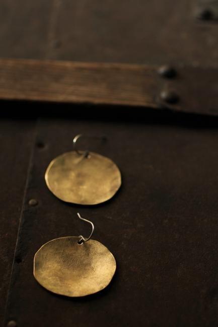 Brass Oval Plate Earrings - M   IRRE