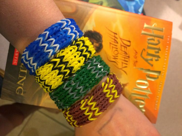 Create your own Harry Potter rainbow loom from ravenclaw hufflepuff slytherin and griffidor. I love it and when I made it, it was awesome⚡️