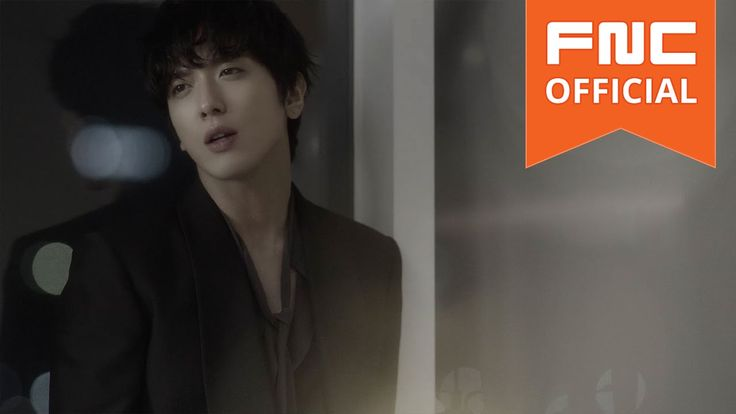 Is it me or Yonghwa's new hairstyle does make him look like a young boy? He actually can act you know. And the kiss! Lucky actress! --- 정용화 (Jung Yong Hwa) - 어느 멋진 날 (One Fine Day) M/V