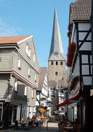 Malerwinkel, St. Georgs-Kirche, Hattingen, Eine station mit der ruhrtalbahn, start bahnmuseum bochum