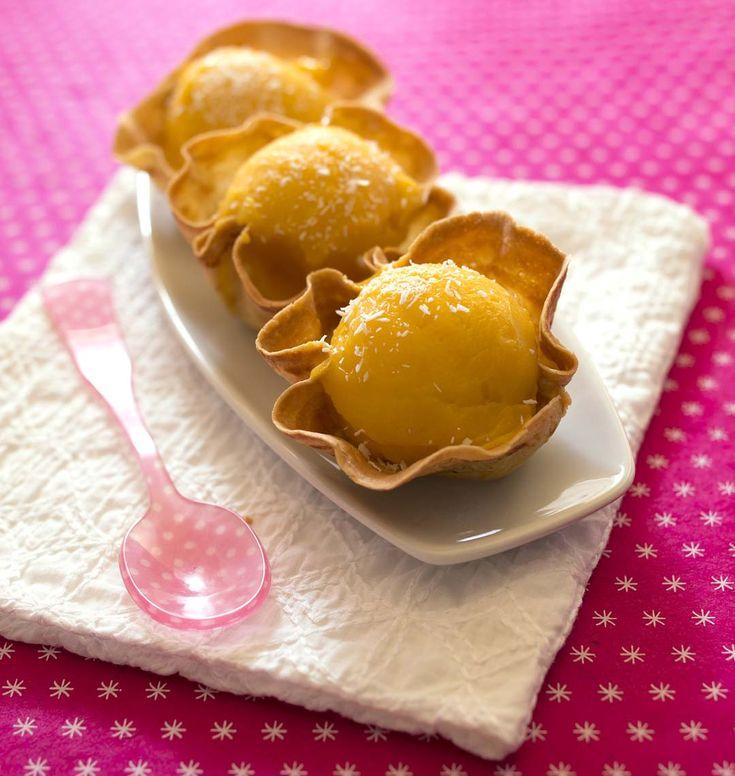 Photo de la recette : Crêpes tulipes et sorbet mangue