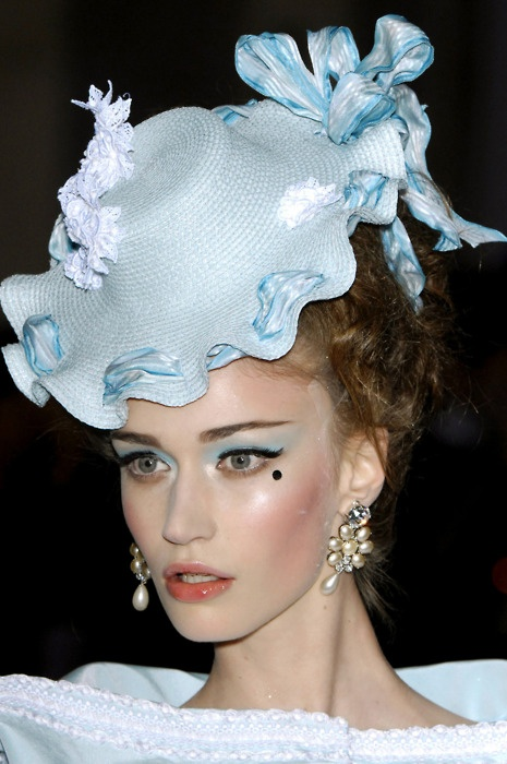 Christian Dior #millinery #judithm #hats For me this is too little girl looking. Not for an adult.
