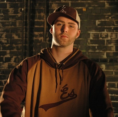 Classified-prolly the only rapper who raps the straight up truth<3