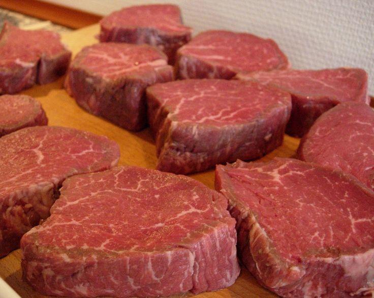 Carol O'Neil, profesora de nutrición en la Universidad Estatal de Louisiana, ha investigado por años el aporte de la proteína que recibimos por la carne de res. Para ella, la carne magra es la proteína más sana.