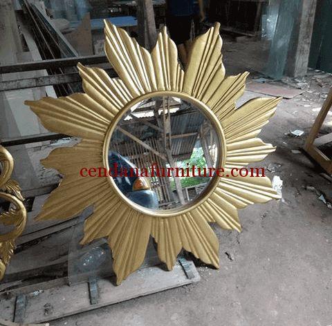 Cermin Dinding Matahari Gold