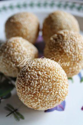 Azie Kitchen: Kuih Bom Inti Kacang Hijau Sedap