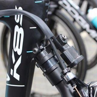 "2,083 mentions J'aime, 40 commentaires - CYCLING NEWS TECH AND BIKES (@pro_tour_cycling) sur Instagram : ""Team Sky is testing out their new Automatic rear suspension. Roubaix hopeful Ian Stannard raced the…"""