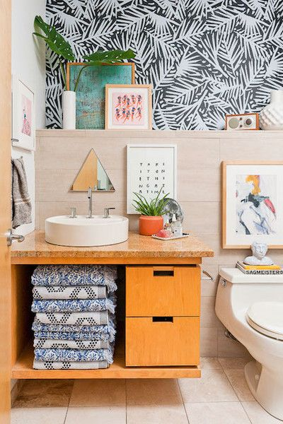 Mismatched Fun - 20 Times Color Was Done Right In Bathrooms - Photos