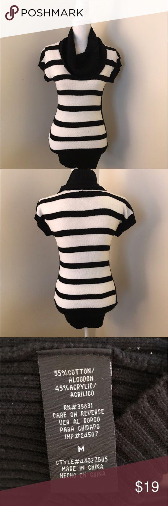 Women's Black and White Short Sleeve Sweater Long Short Sleeve Sweater. Great business casual option. Sweaters Cowl & Turtlenecks