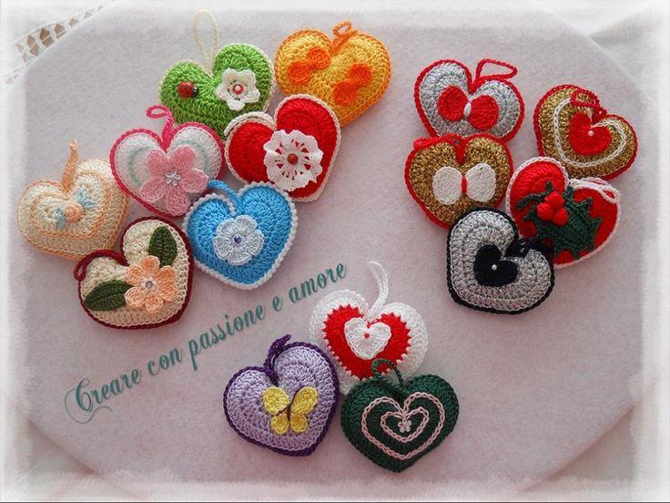 realizzati da @adeleluciani con questo tutorial http://anabeliahandmade.blogspot.it/2014/02/valentines-day-crochet-heart-with-chart.html