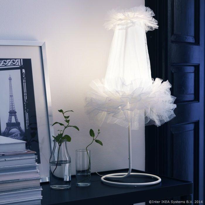 Balerinele se arată pe înserat http://www.IKEA.com/ro/ro/catalog/products/00243584/?query=%C3%85SUNDA