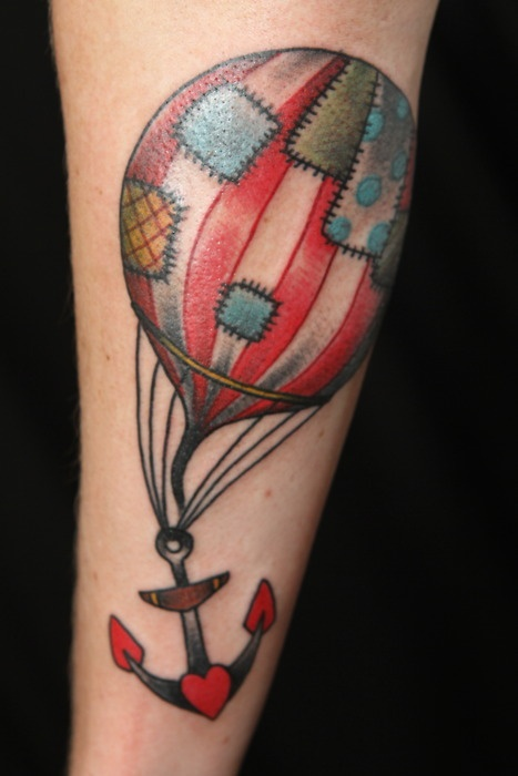 Hot air balloon and anchor. Thanks!  /Nille