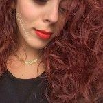 Make up da invitata al matrimonio: labbra rosse e ciglia finte extra strong.  I dettagli del make up su www.fashionably.it  http://www.fashionably.it/index.php/2015/10/05/make-up-invitata-al-matrimonio-un-trucco-deffetto-con-pochi-prodotti/
