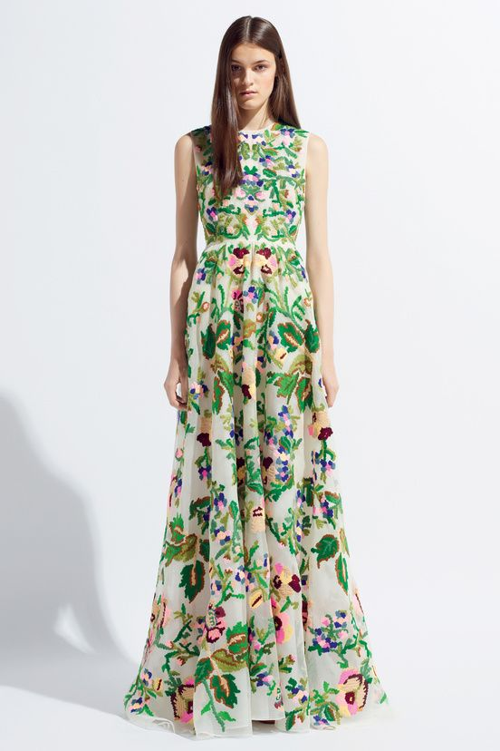 """""""Valentino Resort 2014 #37 I wish the model were smiling :/"""" I don't think I'd smile either if someone put my grandma's drapes on me and called it fashion. Lol"""