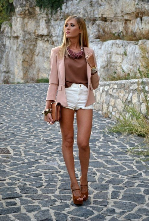 Summer street style inspiration with blazer, white shorts and statement  necklace