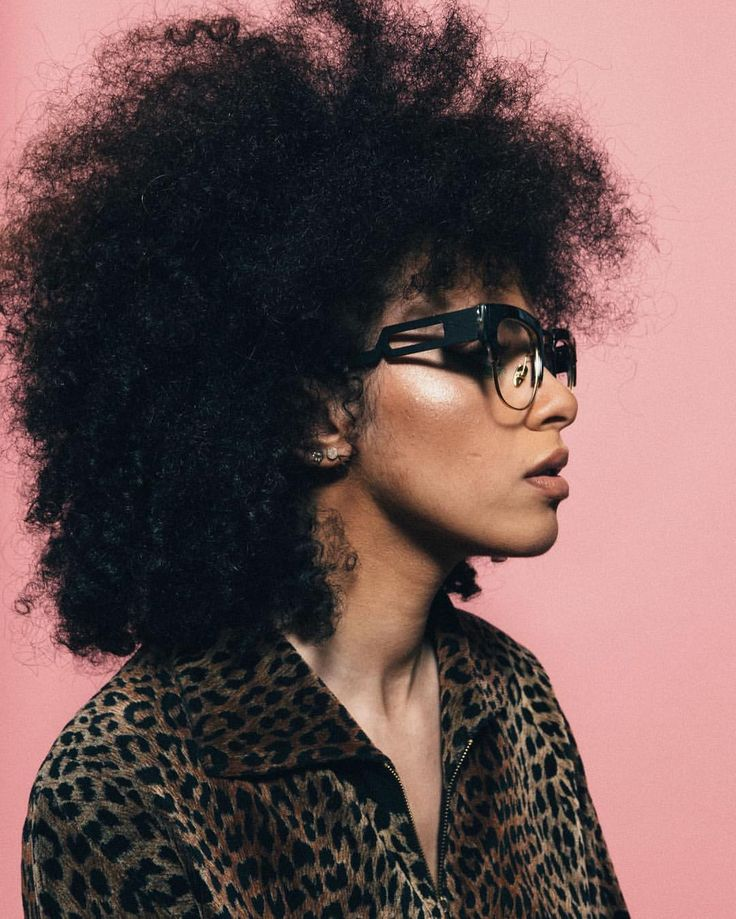 - COCO AND BREEZY EYEWEAR (@cocoandbreezy) on Instagram: ⠀ : @leightonpope    afro hair. Frizzy hair. Natural hair. Kinky curly hair. Afro-textured  hair. Frizz. Texture. Afro textures. Big hair. Pretty hair.