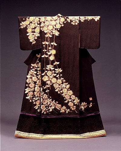 I think a purple obi would go pretty…compliment the stripe near bottom    Kimono Tsujigahana