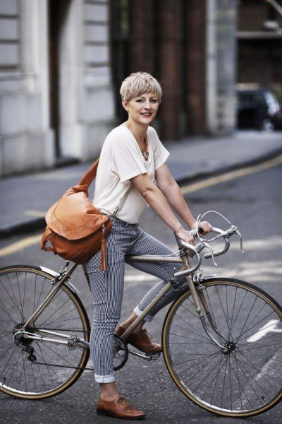 98 Best Lady Cyclist Images On Pinterest Beautiful Bicycle And