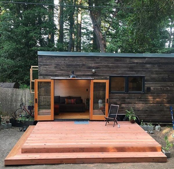 250 sq ft diy tiny house on wheels tiny houses house and tiny spaces. Black Bedroom Furniture Sets. Home Design Ideas