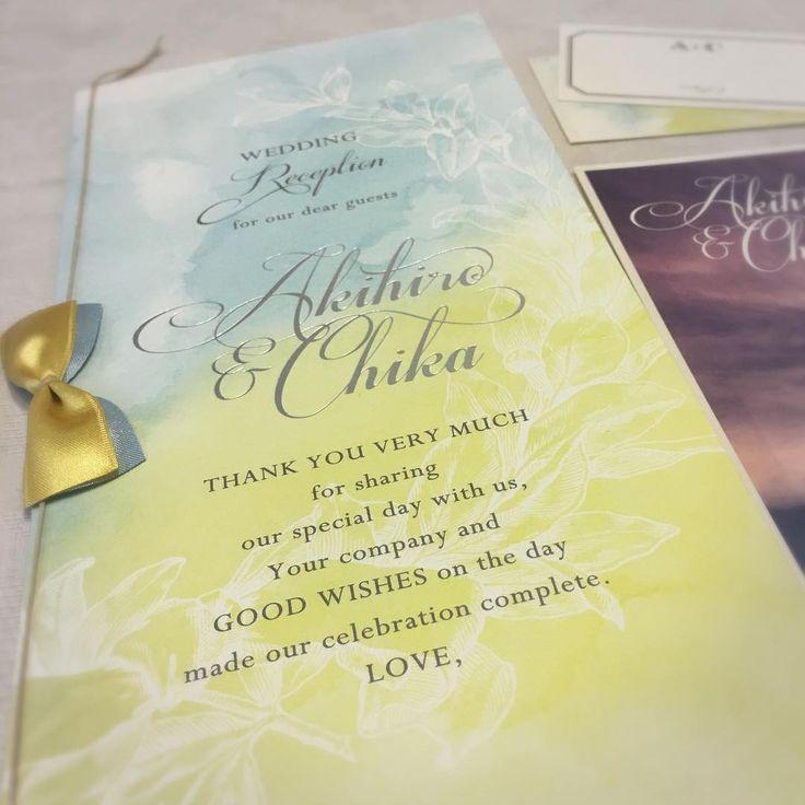 水彩画のようなグラデーションが美しい…♪ 黄色のおしゃれな席次表一覧。結婚式の席次表まとめ。