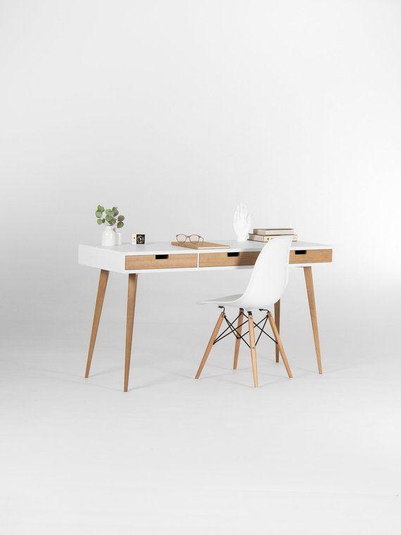 White Wooden Desk With Solid Oak Drawers Mid Century Modern In 2020 Zimmereinrichtung Schreibtisch Weiss Und Skandinavisches Design