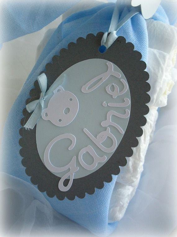 """Cadeau de naissance """"Colis de cigogne"""" Gâteau de couches Garçon Bleu pâle et gris - Babyshower"""