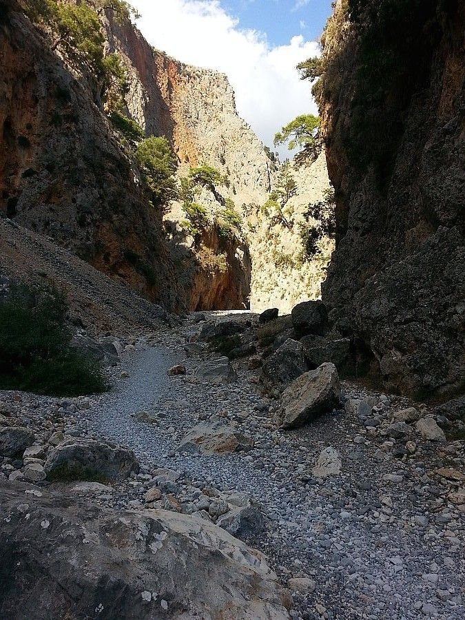 http://www.handpickedgreece.com/come-with-us-through-the-gorge-of-ardena/