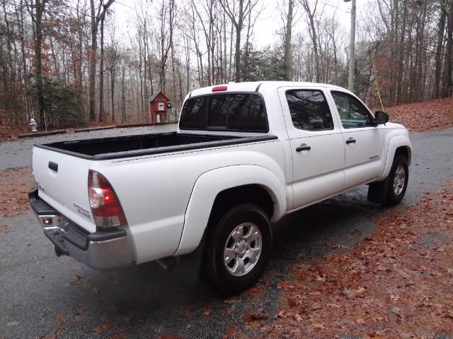 best 25 tacoma for sale ideas on pinterest toyota 4x4 for sale toyota tacoma for sale and. Black Bedroom Furniture Sets. Home Design Ideas