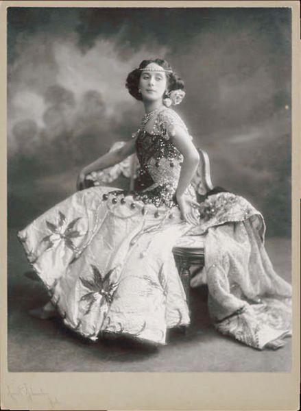 Anna Pavlova, Russian ballerina