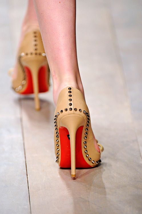.Fashion Shoes, Shoes 22, Phenomenal Fashion, Shoes Envy, Heels Shoes, Christian Louboutin, Shoes 5, Gela Style, Red Bottom