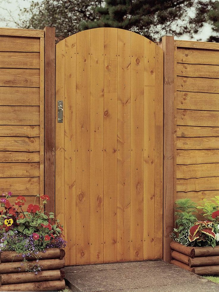 Best 25 Wooden Gates Ideas On Pinterest