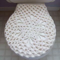 crochet shell toilet seat cover.