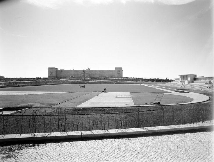 Estádio da Cidade Universitária, inaugurado em 27 de Maio de 1956