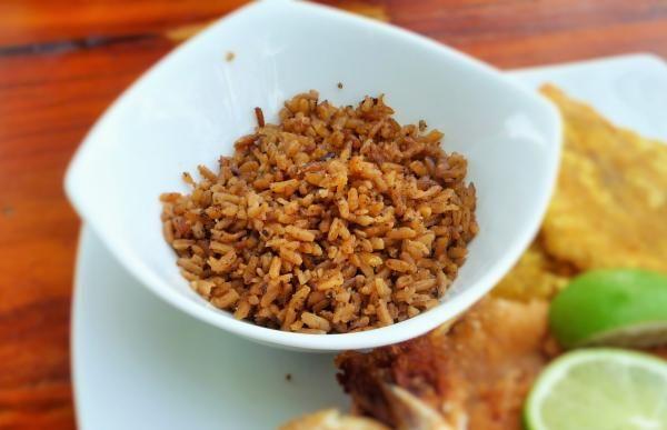 Aprende a preparar arroz con coco colombiano con esta rica y fácil receta. En RecetasGratis.net tenemos recetas de todas partes del mundo y como muestra, aquí tienes...