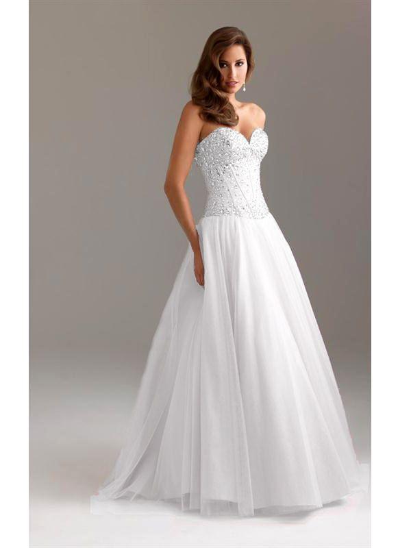 pántnélküli köves esküvői ruha