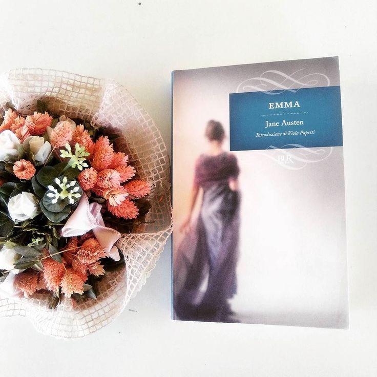 """Ciao lettori!!! Ci ho messo un po' ma sono riuscita  a terminare """"Emma"""" e sono contenta perché porto a casa un altro libro di Jane Austen e perché  è  uno di quei libri che in passato avevo abbandonato alla prima lettura. Sto riordinando le idee prima di scrivere la recensione. Ci sono aspetti che mi hanno convinto come l'aver ritrovato i classici temi austeniani come il matrimonio e i pregiudizi tra classi sociali ma l'ho trovato davvero molto lento nella lettura soprattutto per quanto…"""