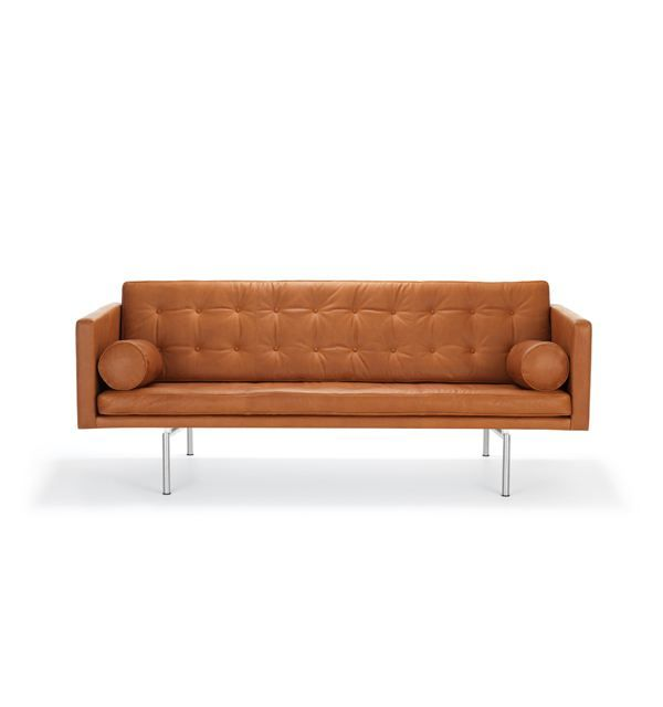 Soffa Ritzy från DUX är en elegant 3-sits soffa för såväl hem som kontor. Ritzy-soffan är i lädret Dakota 24.