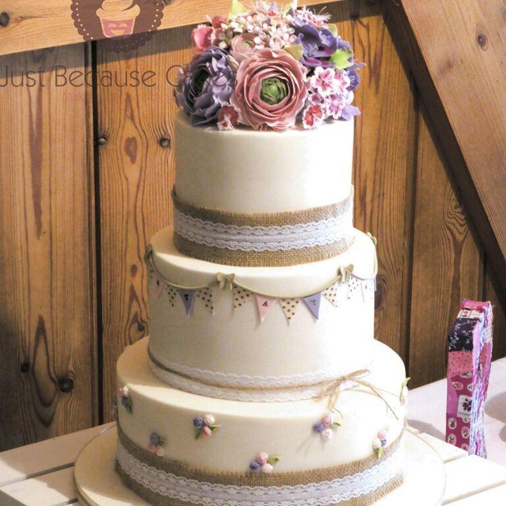 Hessian and Lace Vintage Wedding Cakes  #caketrends #weddingcakesberkshire #floralweddingcakes #justbecausecakes #weddingcakeswindsor