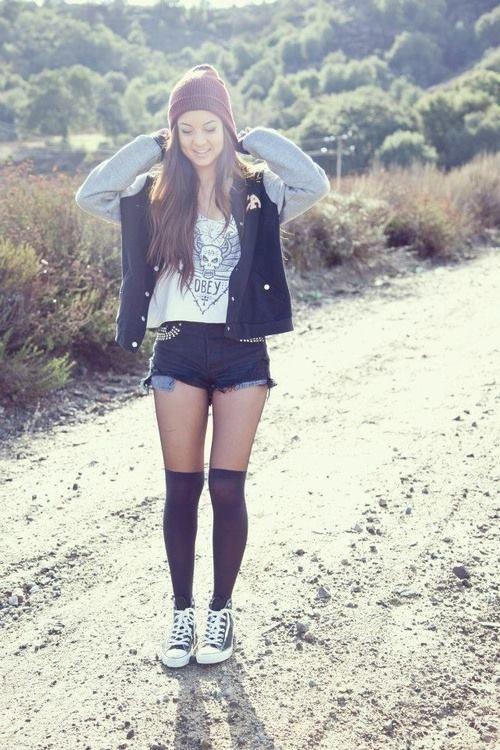 Knee-socks and short shorts <3